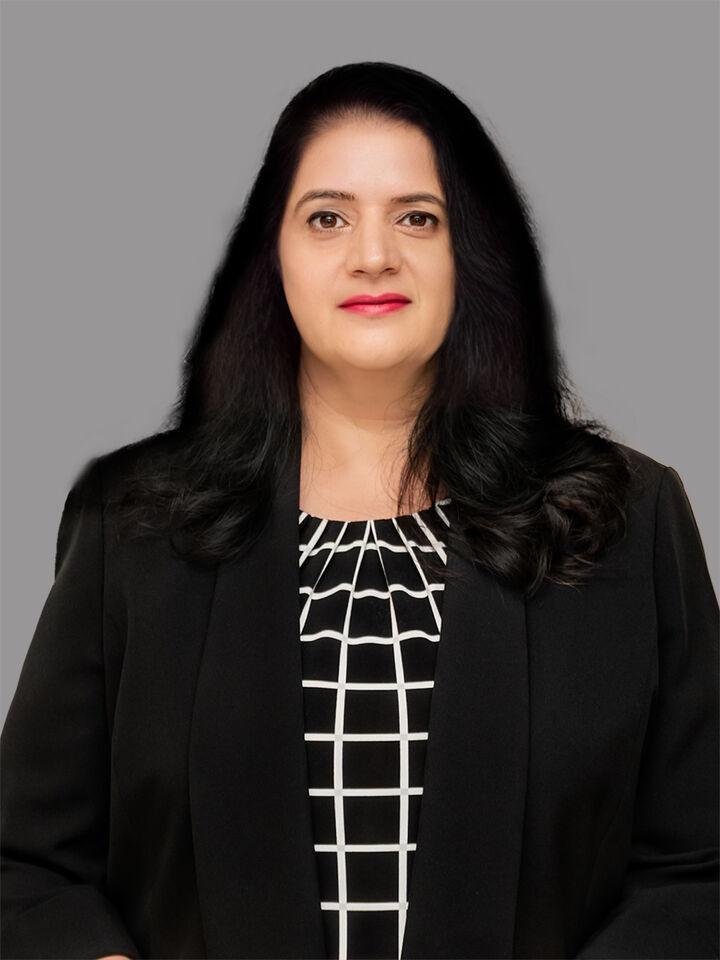 Shaloo Munjaal, Associate Broker in Greenwood, BHHS Indiana Realty