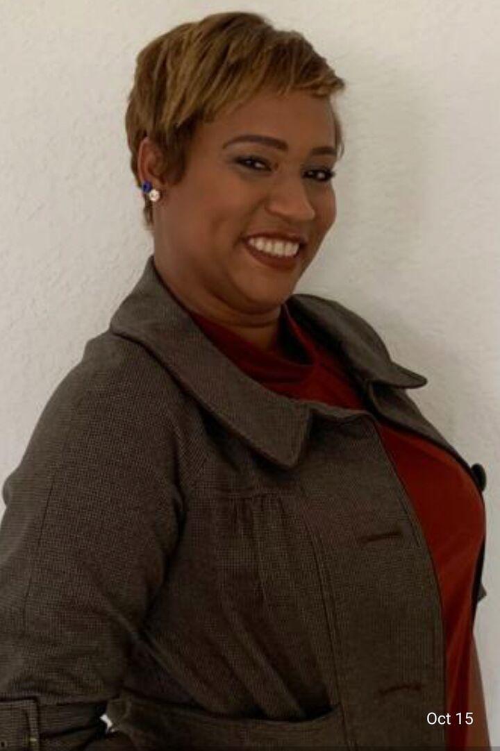 Zorayda Mateo, Realtor - Hablo Español in Hernando Beach, Dennis Realty & Investment Corp.