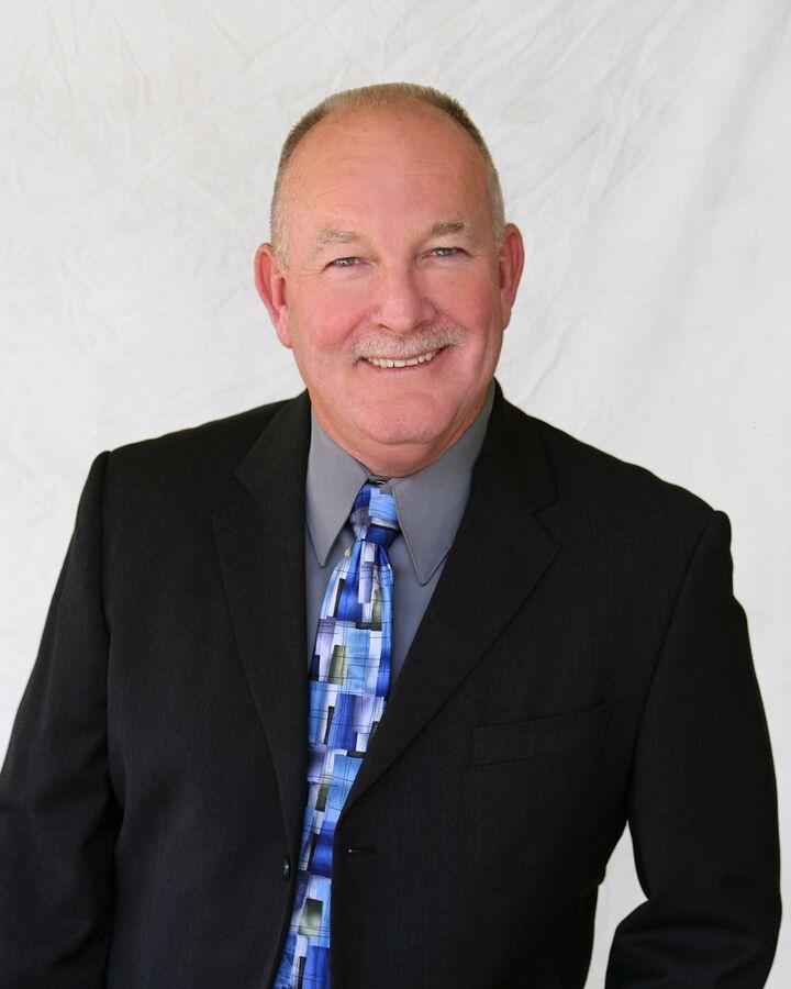 Dwight Thompson,  in Simi Valley, Pinnacle Estate Properties