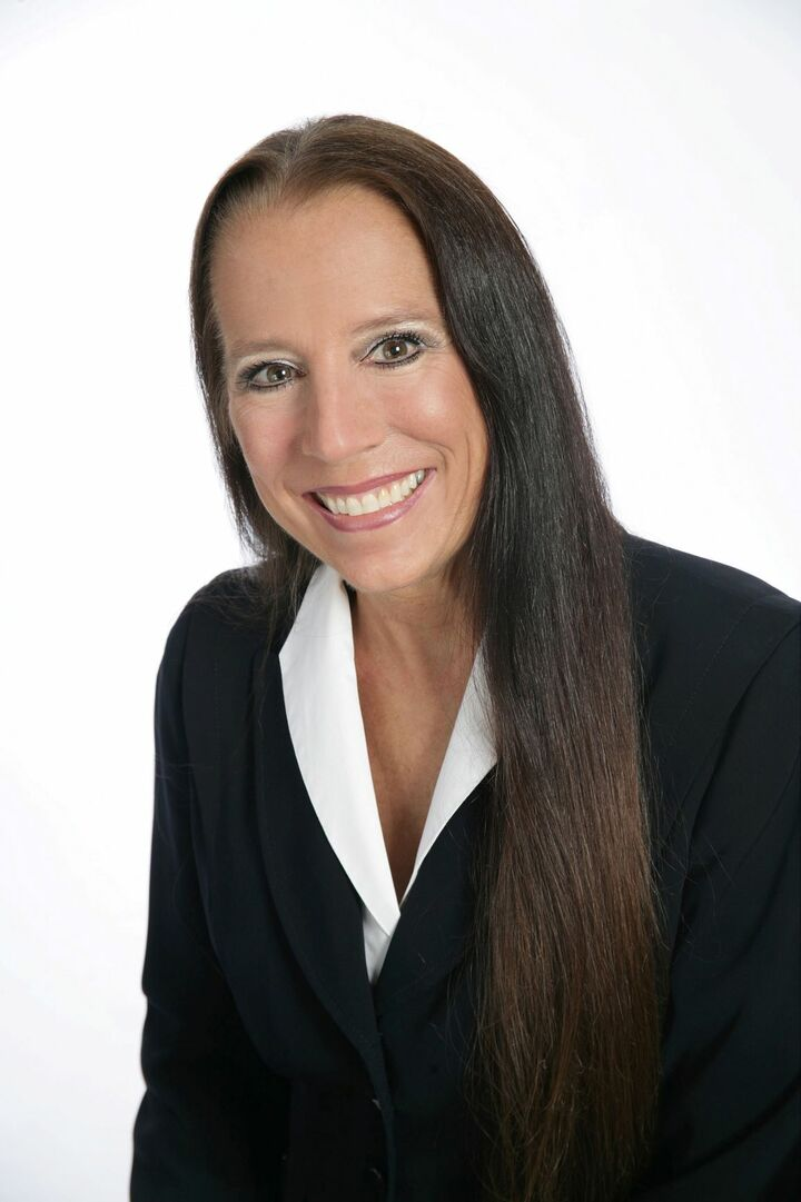 Laura Burton, Managing Broker in Everett, Windermere