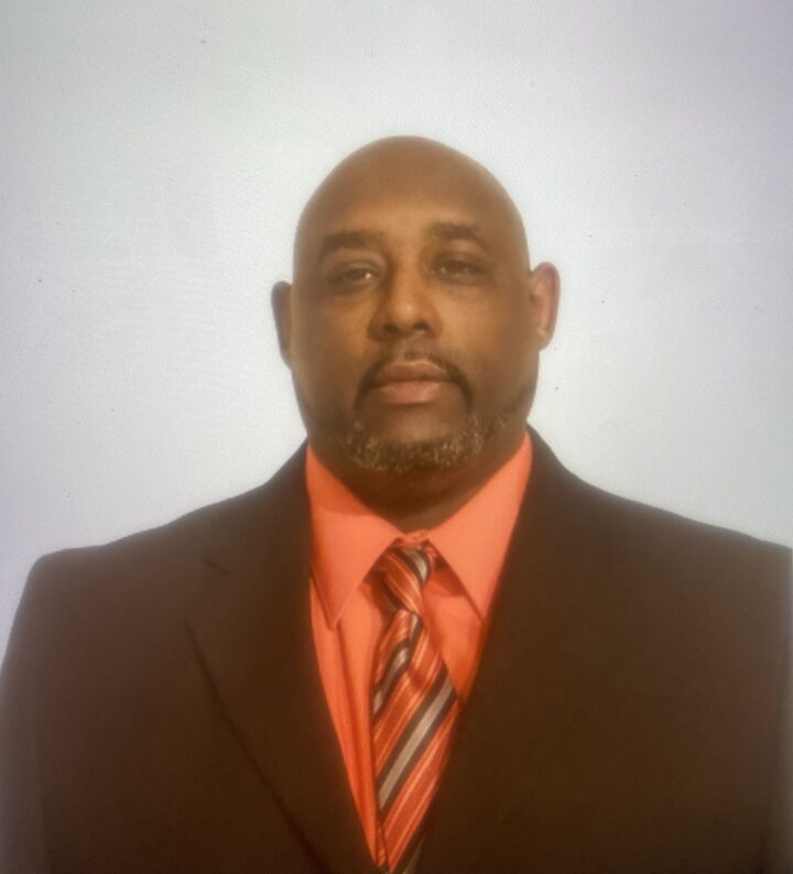 Issac Harris,  in Lutz, Dennis Realty & Investment Corp.
